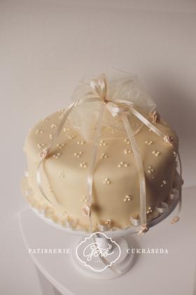 150. Marcipános torta