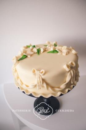 135. Marcipános torta