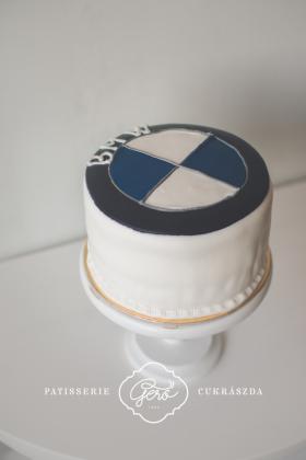 BMW emblémás torta