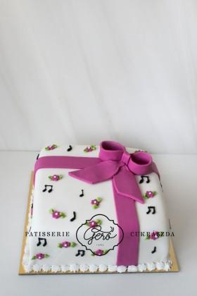 Hangjegyes torta