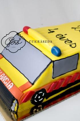 Mentőautó torta
