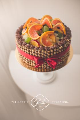 Gyümölcsös-rolettis torta