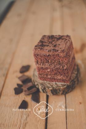 Édesítőszerrel készített habos csokikocka