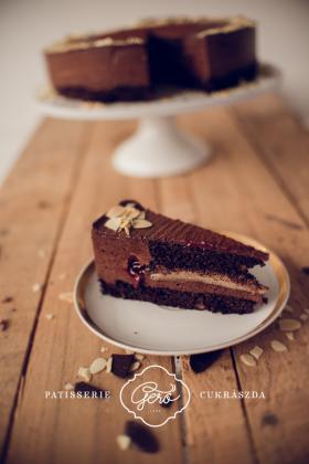 Csokis kaland tortaszelet